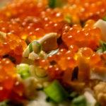 Салат с красной икрой и грибами